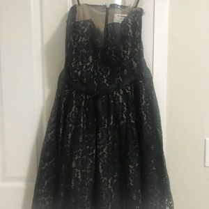 Lovely lace dress NEW. Neiman Marcus size 12